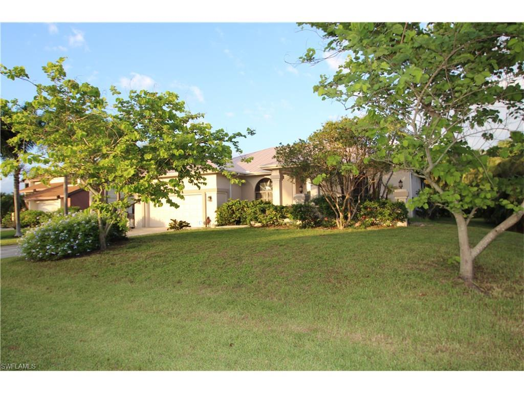 15127 Anchorage Way, Fort Myers, FL 33908 (MLS #216043988) :: The New Home Spot, Inc.