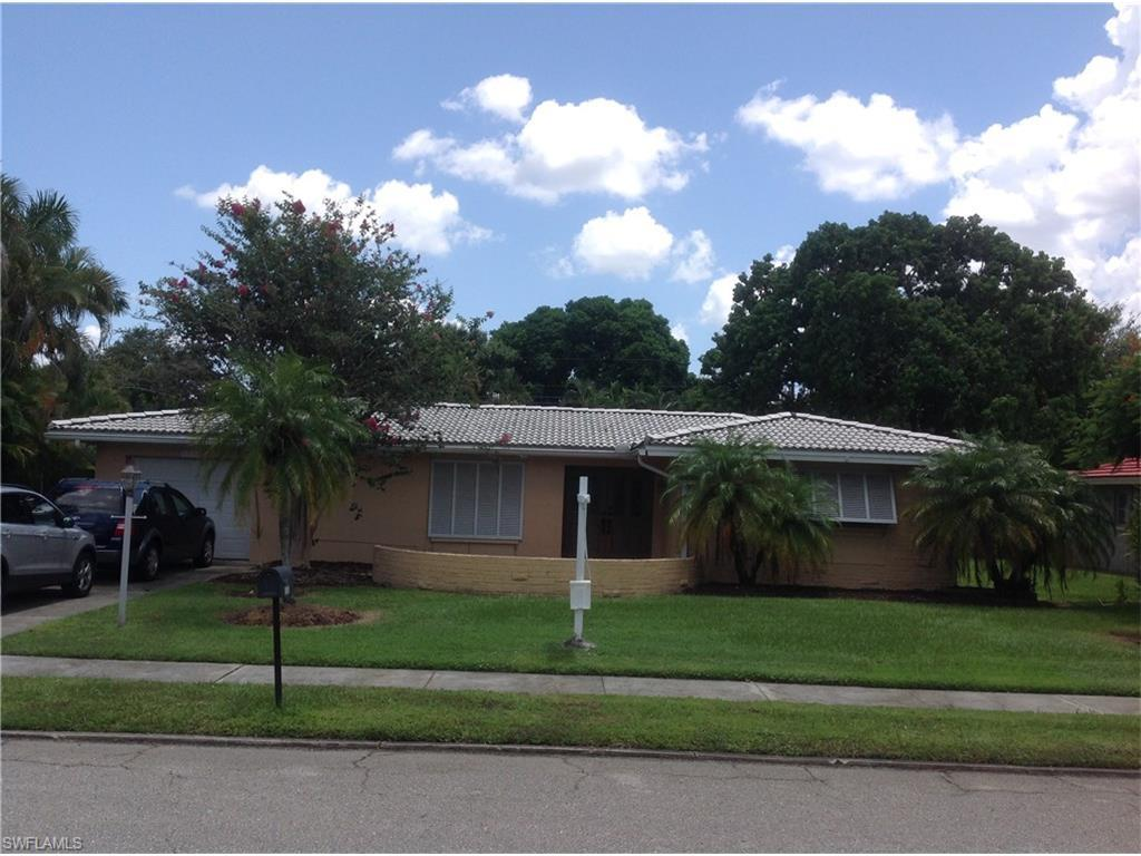 1028 El Rio Ave, Fort Myers, FL 33919 (MLS #216047142) :: The New Home Spot, Inc.