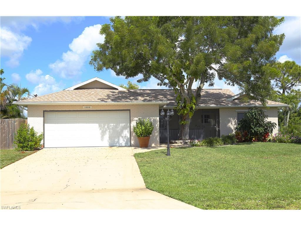 1009 SW 13th St, Cape Coral, FL 33991 (MLS #216048221) :: The New Home Spot, Inc.