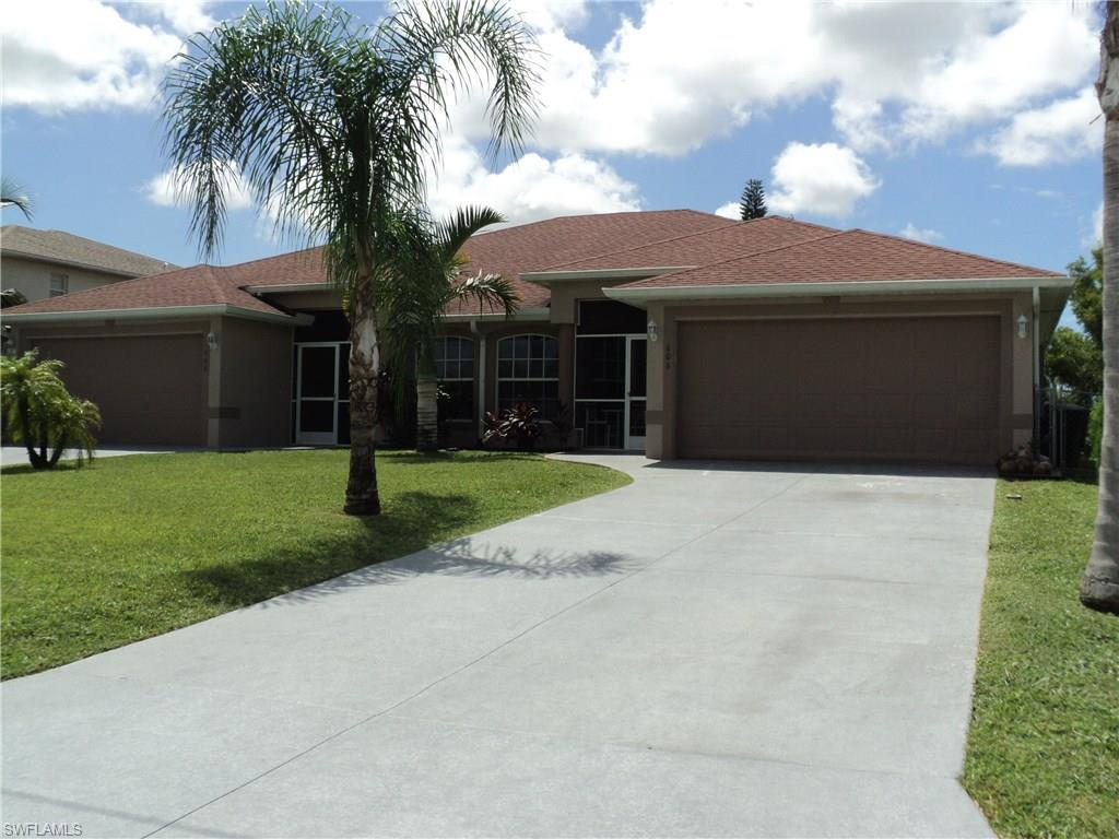 606 SE 6th Ter, Cape Coral, FL 33990 (MLS #216050413) :: The New Home Spot, Inc.