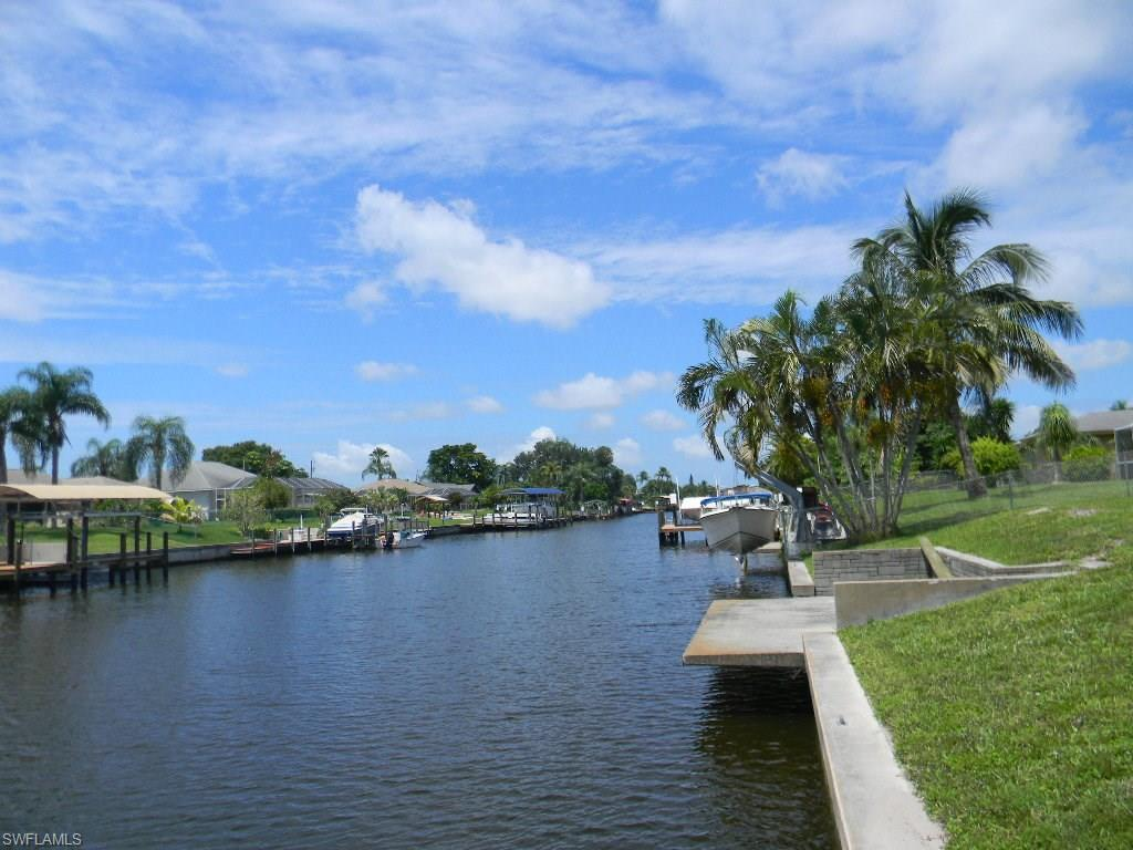 1320 SE 36th St, Cape Coral, FL 33904 (MLS #216050805) :: The New Home Spot, Inc.