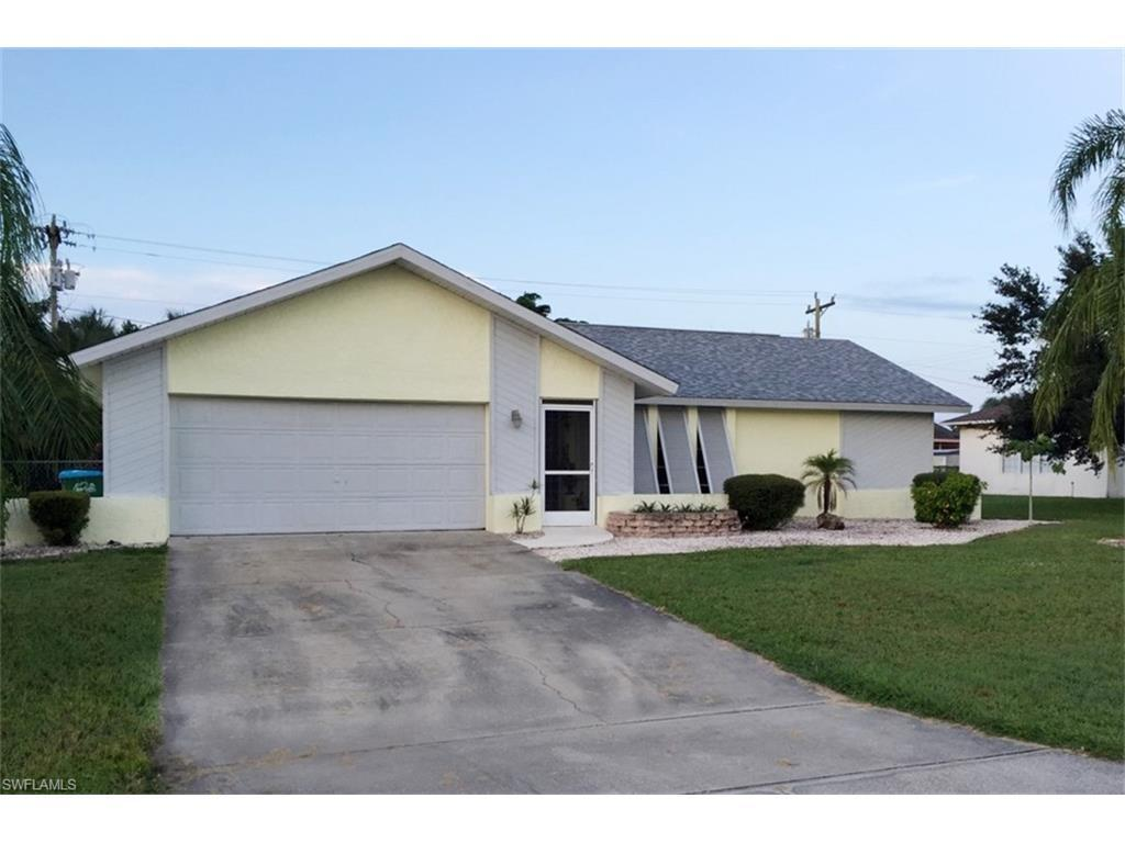 908 SE 22nd St, Cape Coral, FL 33990 (#216050849) :: Homes and Land Brokers, Inc