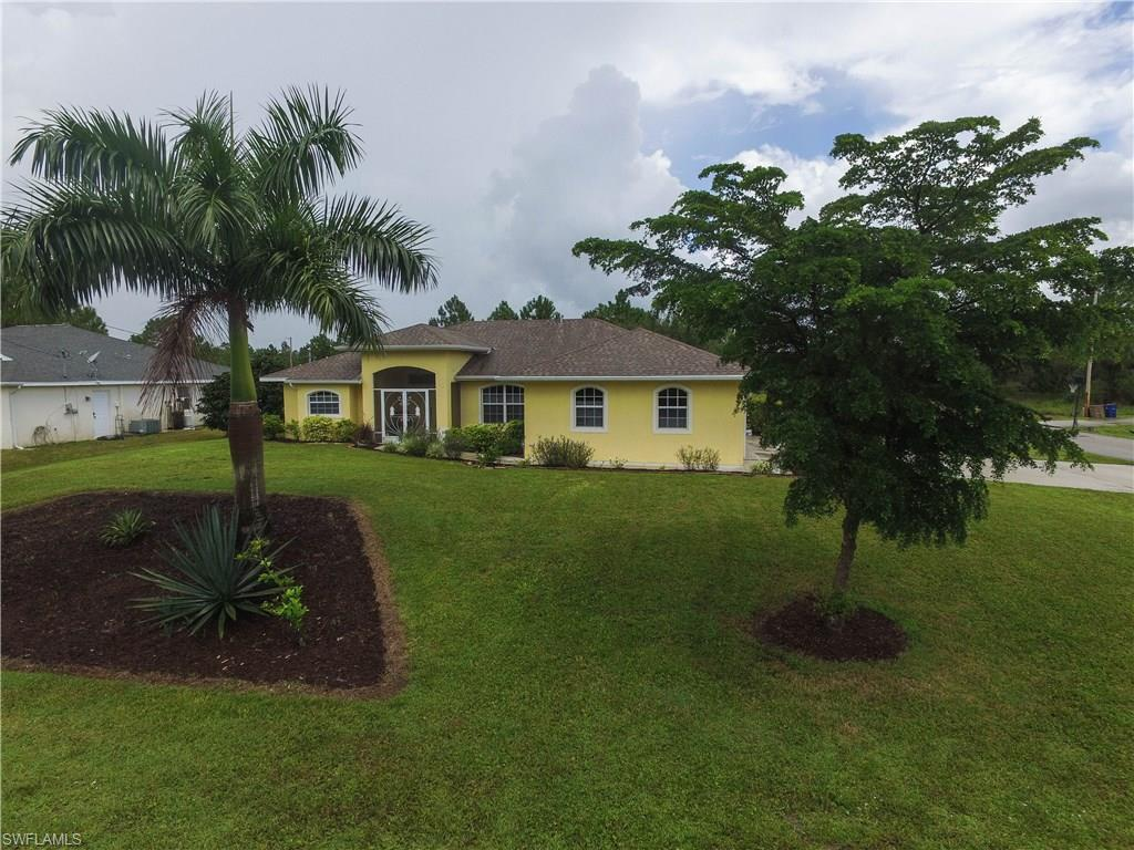 661 Keller St E, Lehigh Acres, FL 33974 (MLS #216053082) :: The New Home Spot, Inc.