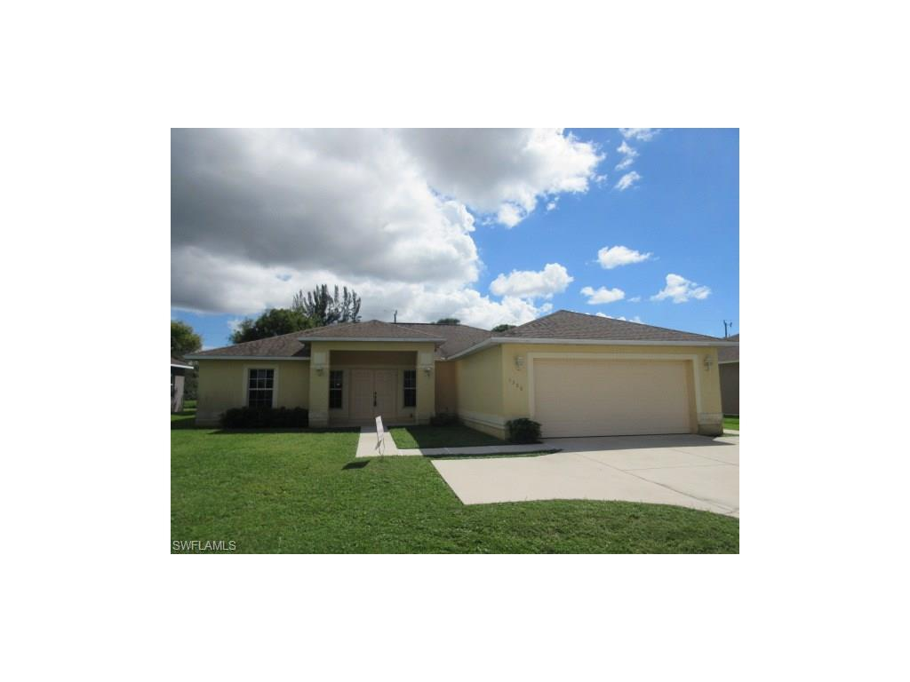 1308 Gleason Pky, Cape Coral, FL 33914 (#216053368) :: Homes and Land Brokers, Inc