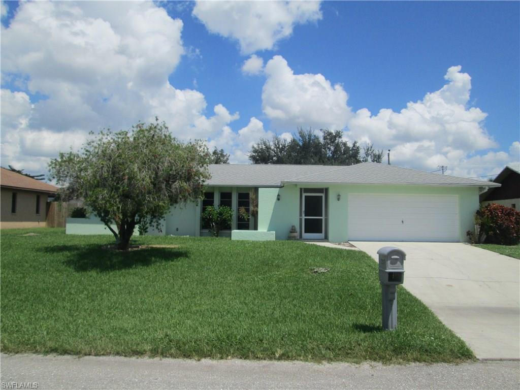 1207 SE 33rd St, Cape Coral, FL 33904 (MLS #216053434) :: The New Home Spot, Inc.