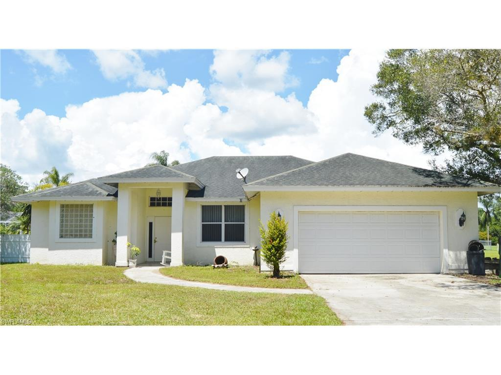 500 Fort Thompson Ave, Labelle, FL 33935 (#216053637) :: Homes and Land Brokers, Inc