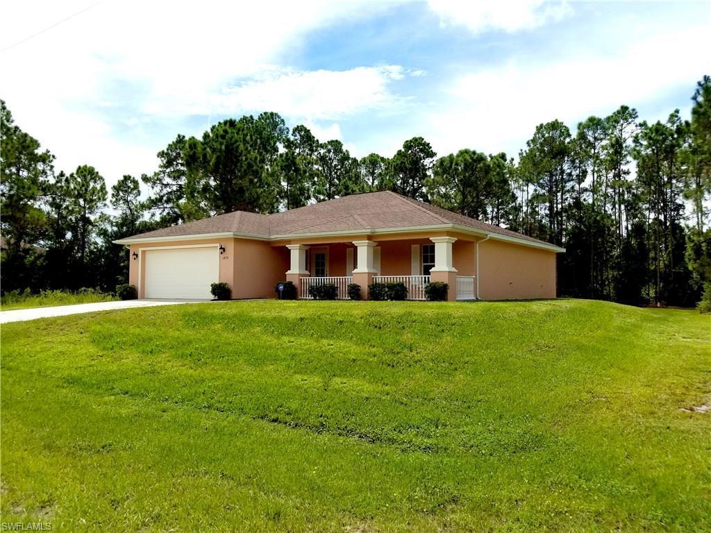 1074 Barnett St E, Lehigh Acres, FL 33974 (MLS #216053972) :: The New Home Spot, Inc.
