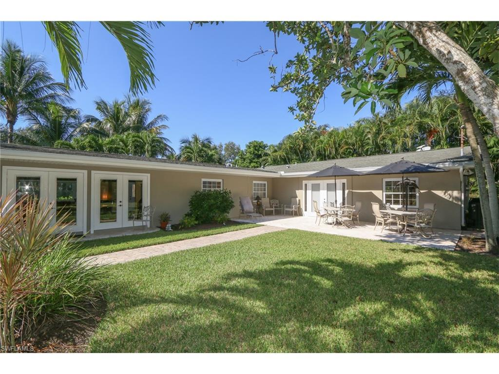 3555 Stuart Ct, Fort Myers, FL 33901 (#216055233) :: Homes and Land Brokers, Inc