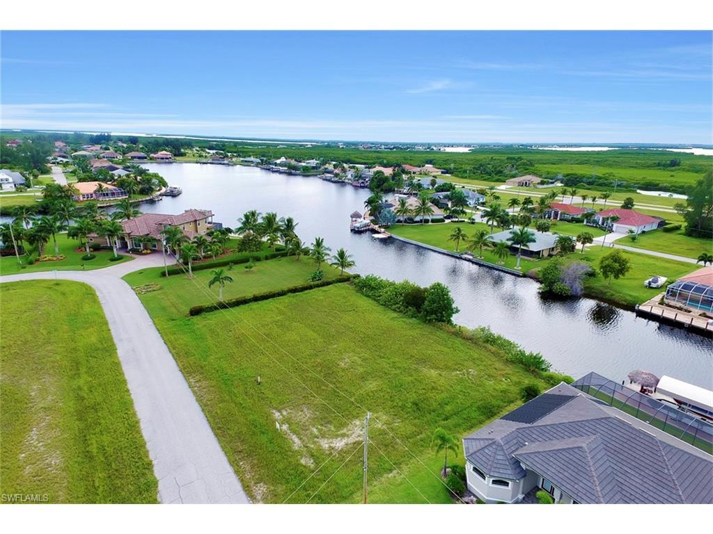 136 SW 38th Pl, Cape Coral, FL 33991 (MLS #216055559) :: The New Home Spot, Inc.