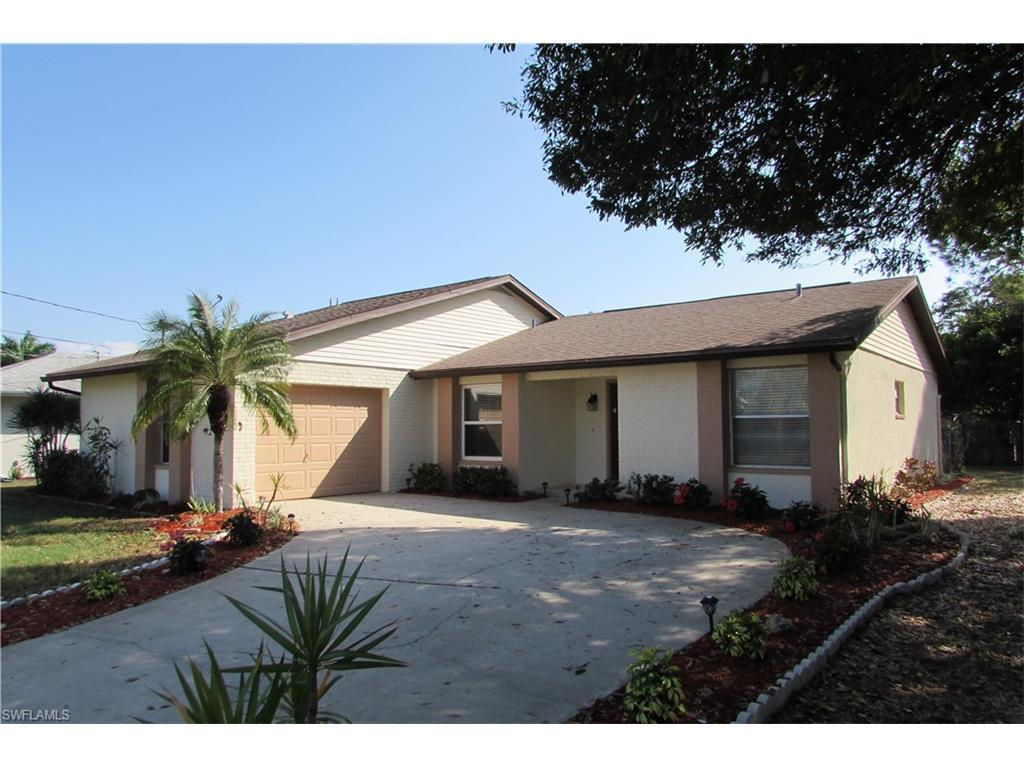 2224 SE 16th St, Cape Coral, FL 33990 (MLS #216057101) :: The New Home Spot, Inc.