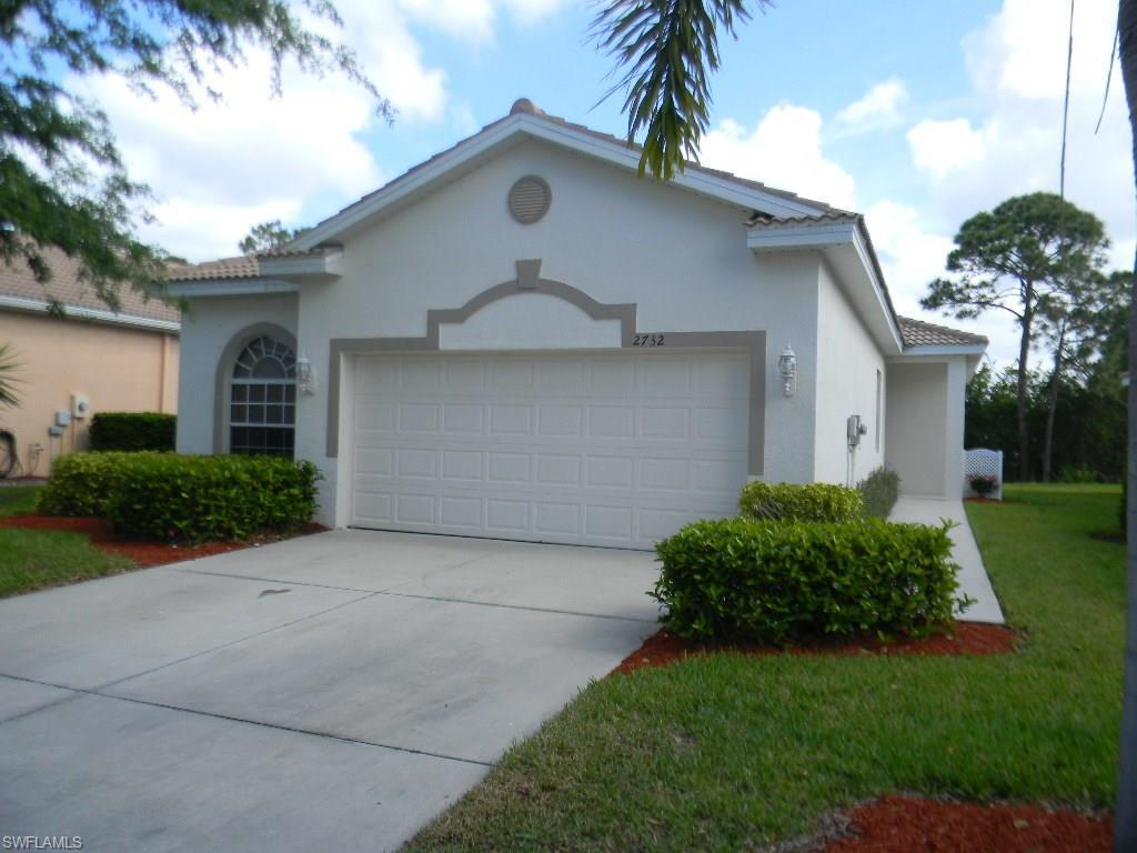 2732 Blue Cypress Lake Ct, Cape Coral, FL 33909 (MLS #216057325) :: The New Home Spot, Inc.