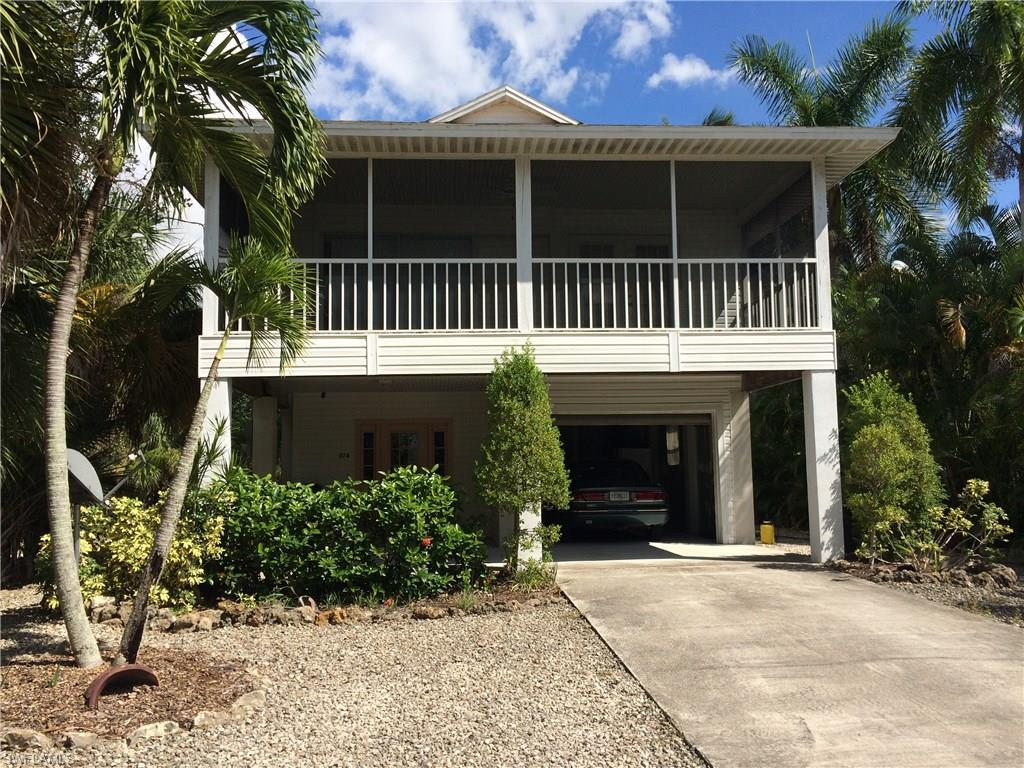 374 Connecticut St, Fort Myers Beach, FL 33931 (MLS #216058059) :: The New Home Spot, Inc.