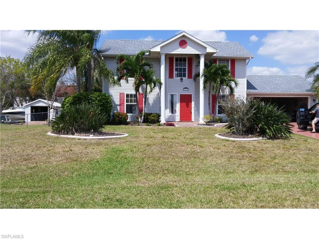 1911 NE 6th St, Cape Coral, FL 33909 (#216058194) :: Homes and Land Brokers, Inc