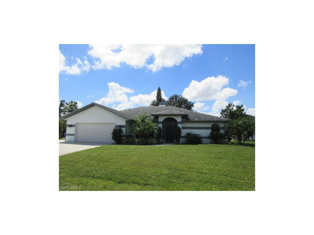 8404 Tahiti Rd, Fort Myers, FL 33967 (#216058236) :: Homes and Land Brokers, Inc