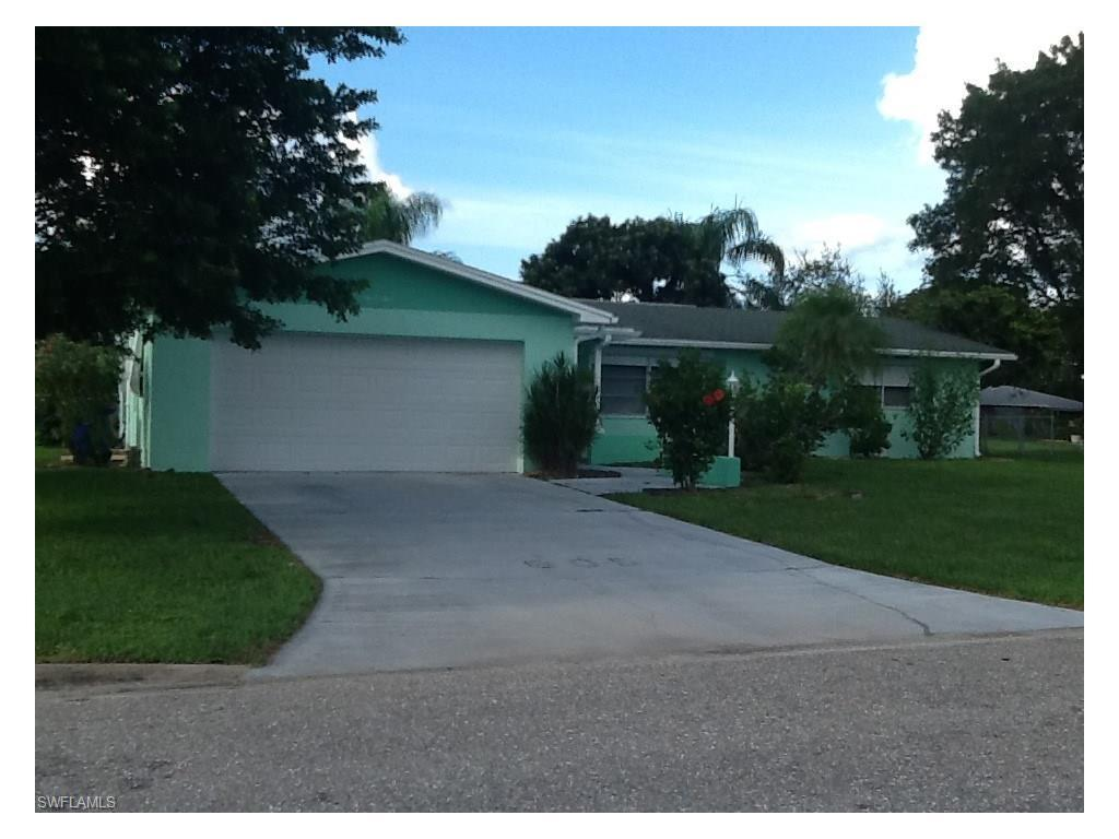 605 Grandview Dr, Lehigh Acres, FL 33936 (#216058555) :: Homes and Land Brokers, Inc