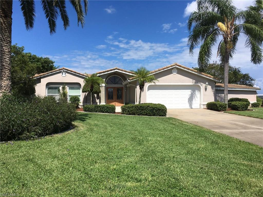 1917 SE 19th Ln, Cape Coral, FL 33990 (#216059215) :: Homes and Land Brokers, Inc