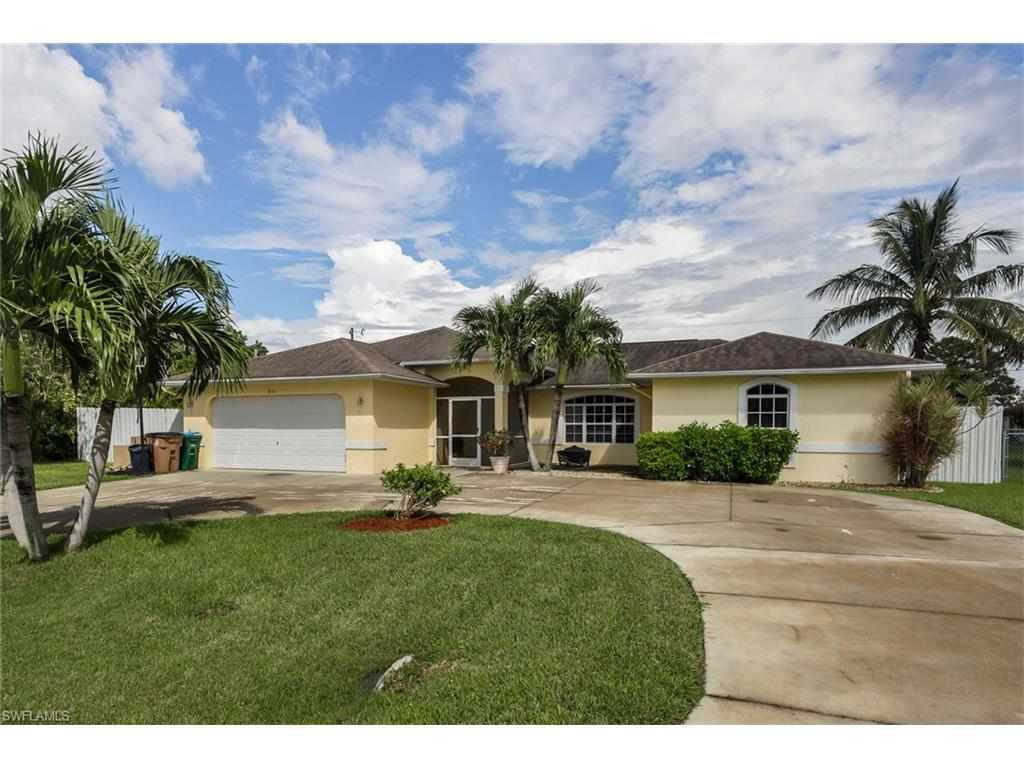 2115 SE 5th Pl, Cape Coral, FL 33990 (MLS #216059347) :: The New Home Spot, Inc.