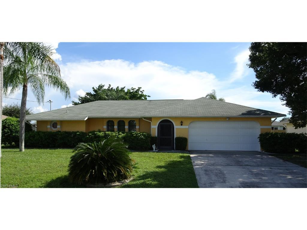 310 SE 3rd St, Cape Coral, FL 33990 (#216059547) :: Homes and Land Brokers, Inc