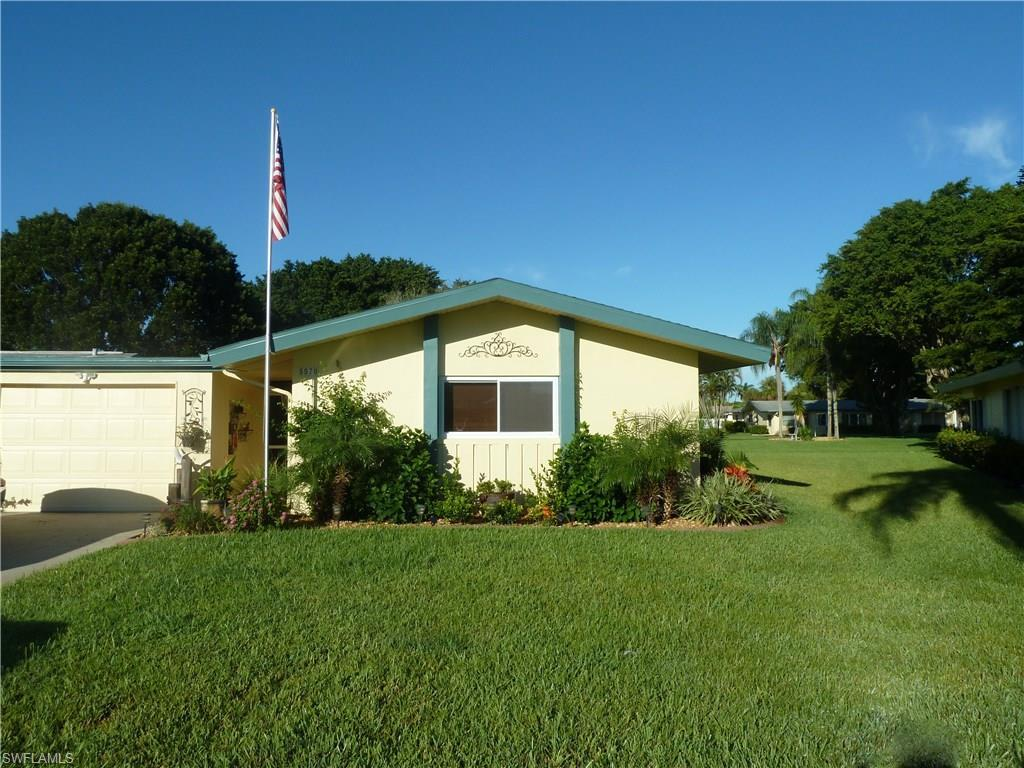 5570 Westwind Ln, Fort Myers, FL 33919 (MLS #216060477) :: The New Home Spot, Inc.
