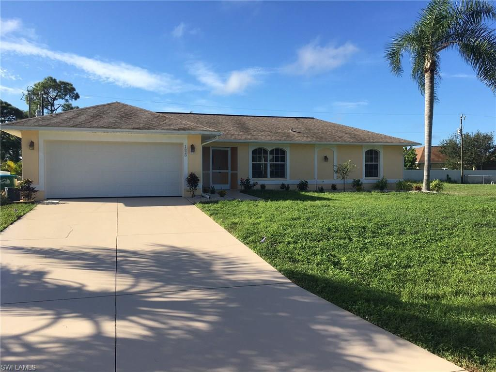 1620 SW 12th Ln, Cape Coral, FL 33991 (MLS #216061147) :: The New Home Spot, Inc.