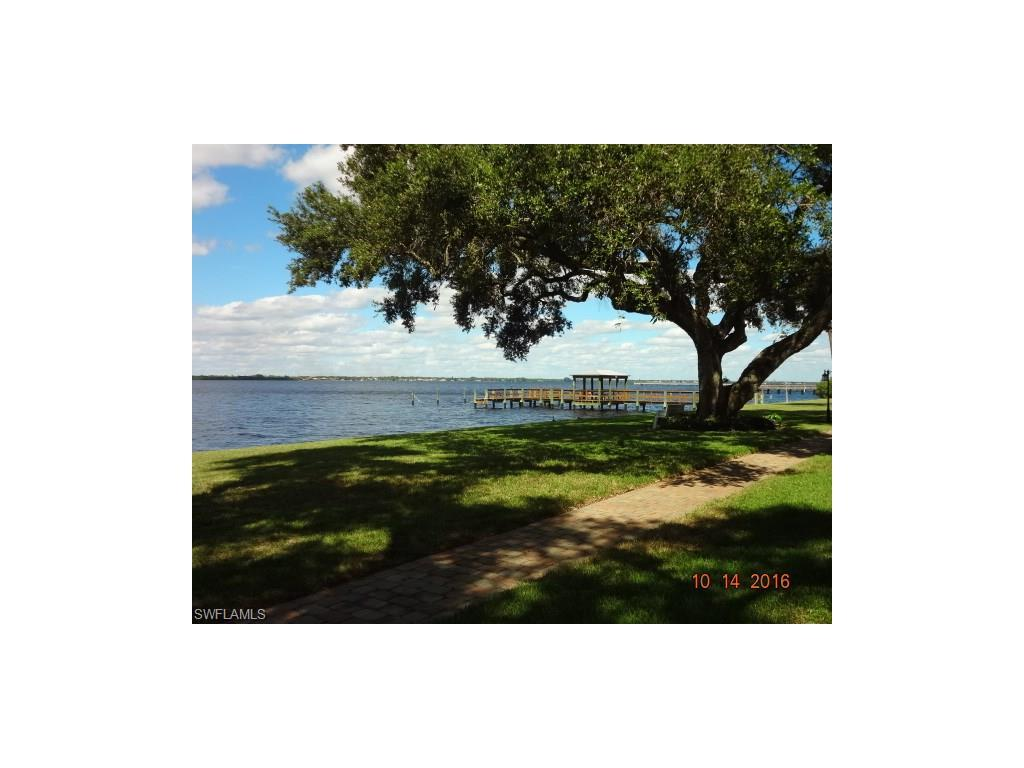 3225 E Riverside Dr #64, Fort Myers, FL 33916 (#216062463) :: Homes and Land Brokers, Inc