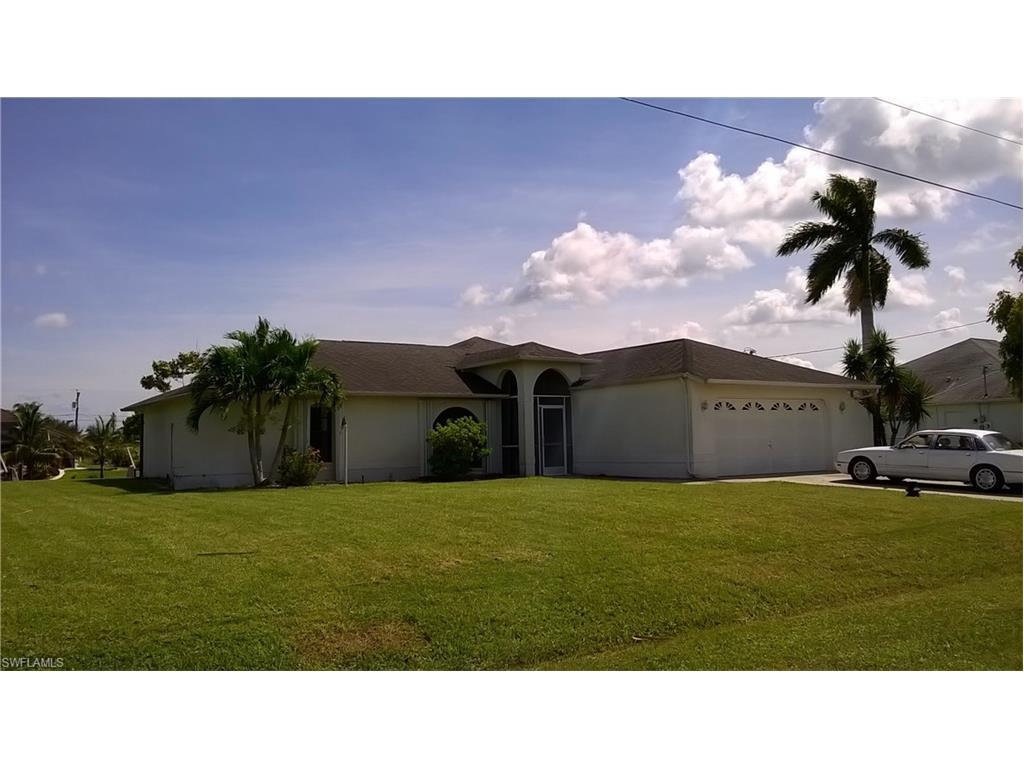 405 NE 17th Pl, Cape Coral, FL 33909 (MLS #216062717) :: The New Home Spot, Inc.