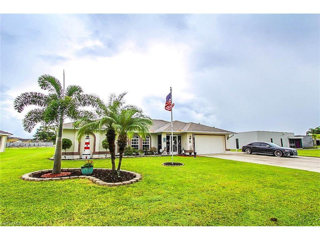 1538 Crestwood Cir N, Lehigh Acres, FL 33936 (MLS #216063015) :: The New Home Spot, Inc.
