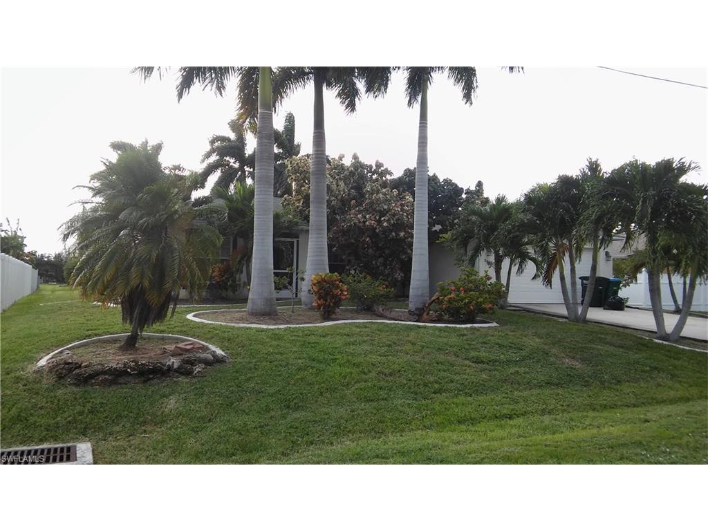 806 SW 4th Ave, Cape Coral, FL 33991 (#216063407) :: Homes and Land Brokers, Inc