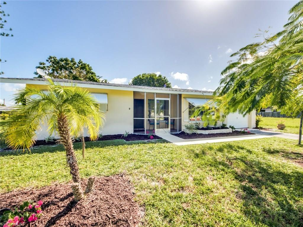 5835 SW 1st Ct, Cape Coral, FL 33914 (#216064434) :: Homes and Land Brokers, Inc