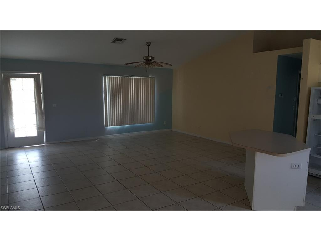 1703 Hibiscus Ave, Lehigh Acres, FL 33972 (#216064507) :: Homes and Land Brokers, Inc