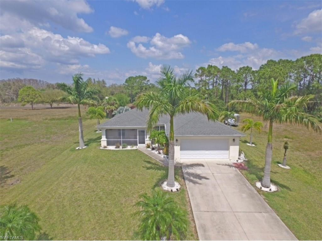 1181 NE 44th Ln, Cape Coral, FL 33909 (#216064634) :: Homes and Land Brokers, Inc