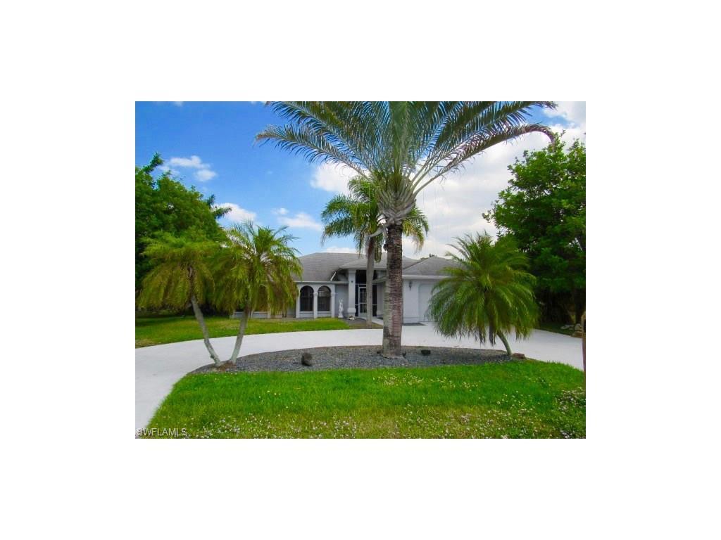 3709 SE 18th Pl, Cape Coral, FL 33904 (MLS #216065006) :: The New Home Spot, Inc.