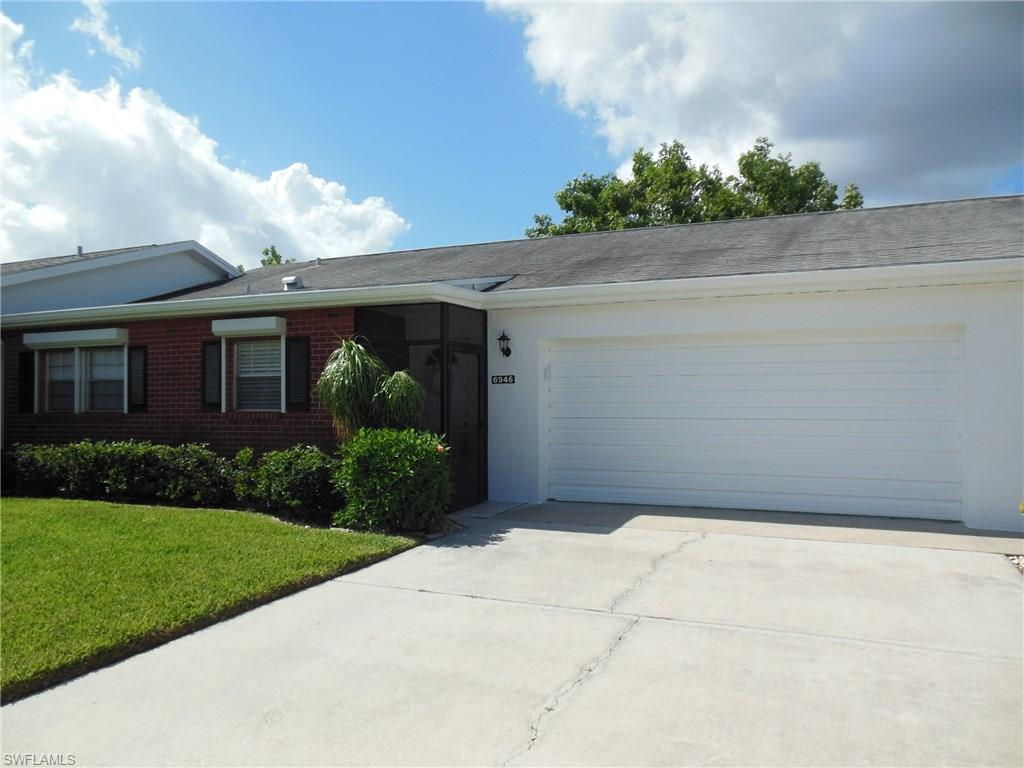 6946 Edgewater Cir, Fort Myers, FL 33919 (MLS #216065075) :: The New Home Spot, Inc.