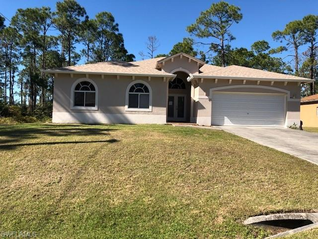 452 Hull Ave S, Lehigh Acres, FL 33974 (MLS #219000380) :: RE/MAX DREAM