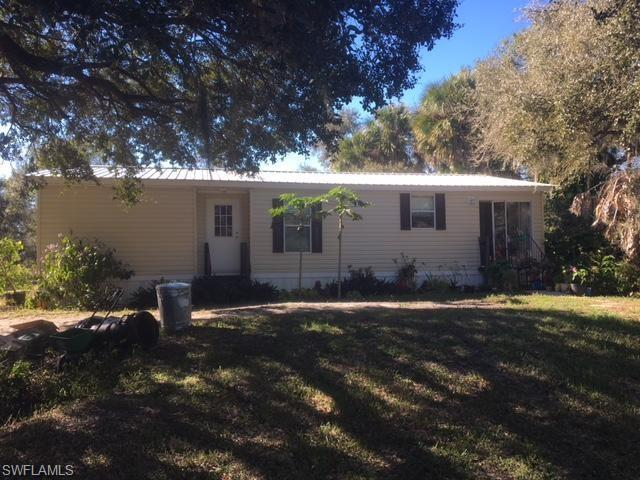 430 Hendry Isles Blvd, Clewiston, FL 33440 (MLS #219003980) :: RE/MAX Realty Group