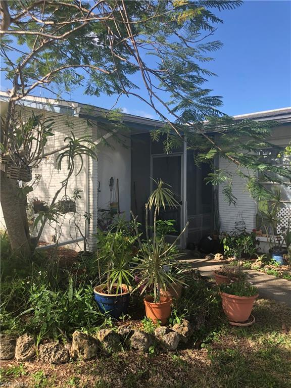5302 Malibu Ct, Cape Coral, FL 33904 (MLS #219015986) :: The Naples Beach And Homes Team/MVP Realty