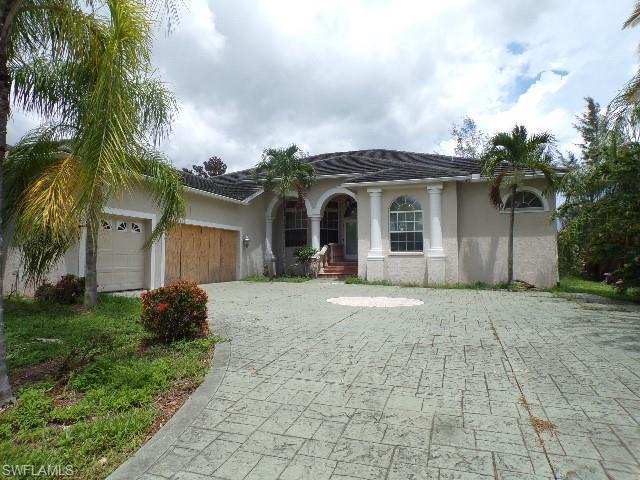 7255 Lake Dr, Fort Myers, FL 33908 (MLS #219048449) :: Clausen Properties, Inc.