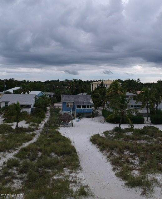 2890 Seaview Street, Fort Myers Beach, FL 33931 (MLS #220056714) :: Realty World J. Pavich Real Estate