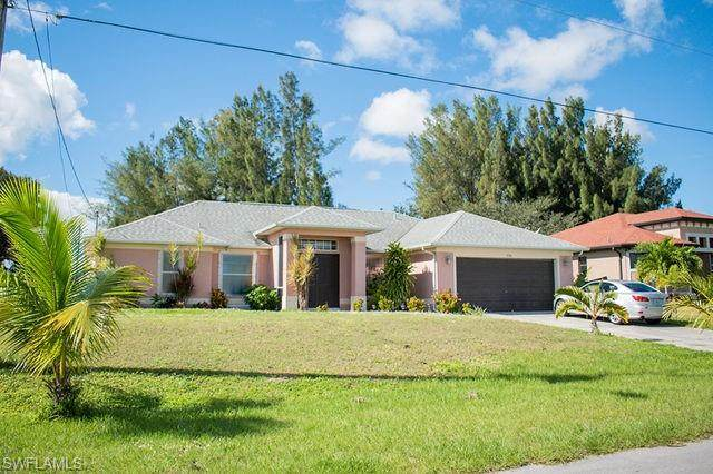138 SW 33rd Place, Cape Coral, FL 33991 (#220071673) :: Caine Luxury Team