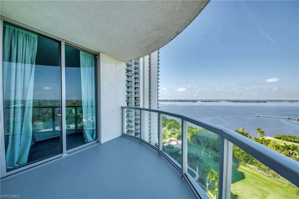 3000 Oasis Grand Boulevard - Photo 1