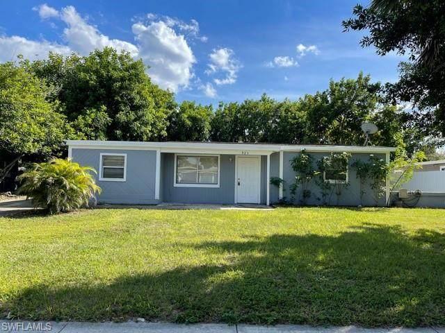 923 Hyacinth Street, North Fort Myers, FL 33903 (#221027578) :: MVP Realty