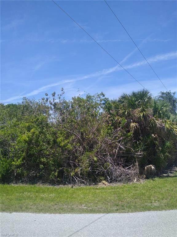 2465 Vance Terrace, Port Charlotte, FL 33981 (#221030324) :: We Talk SWFL