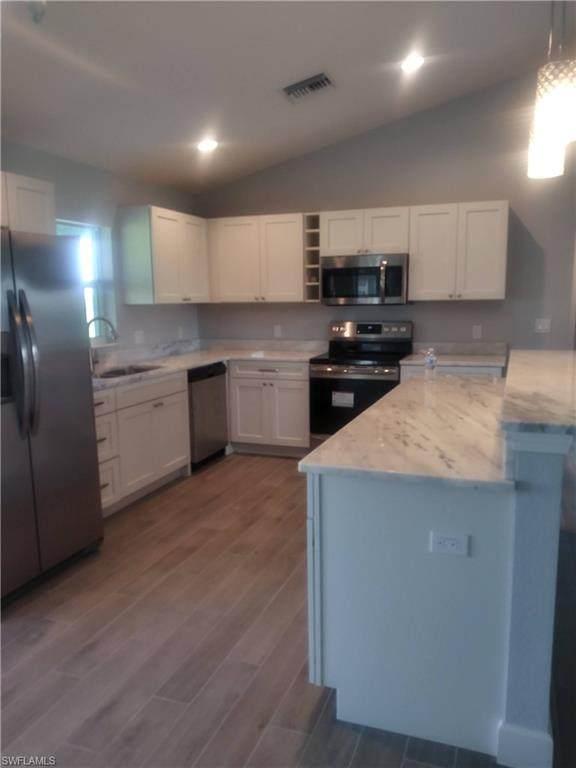 1393 N Hilton Circle, Labelle, FL 33935 (MLS #221032468) :: Medway Realty