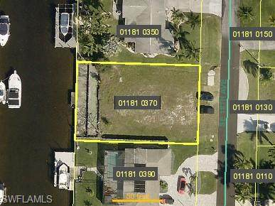 2824 SE 18th Avenue, Cape Coral, FL 33904 (MLS #221033164) :: Wentworth Realty Group