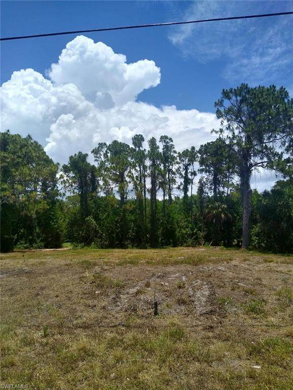 5 Pine Valley Court, Rotonda West, FL 33947 (#221040022) :: Southwest Florida R.E. Group Inc