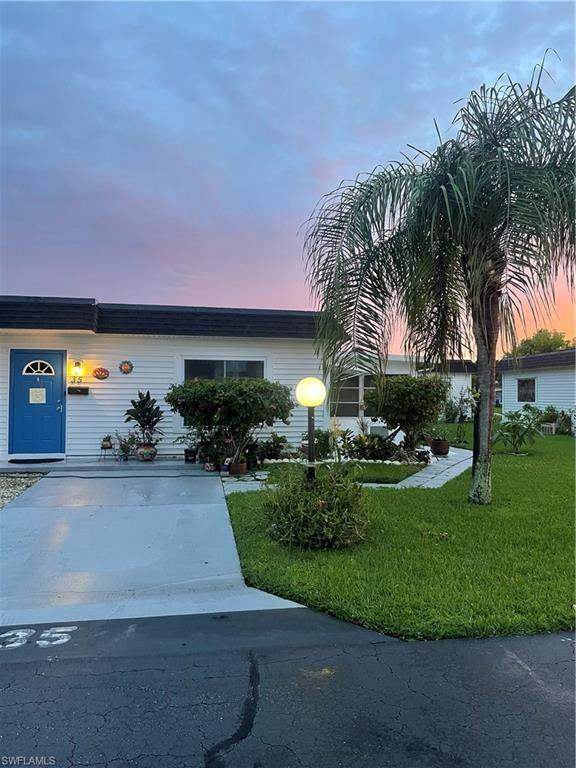 35 Hamlin Court, Lehigh Acres, FL 33936 (MLS #221067680) :: Clausen Properties, Inc.