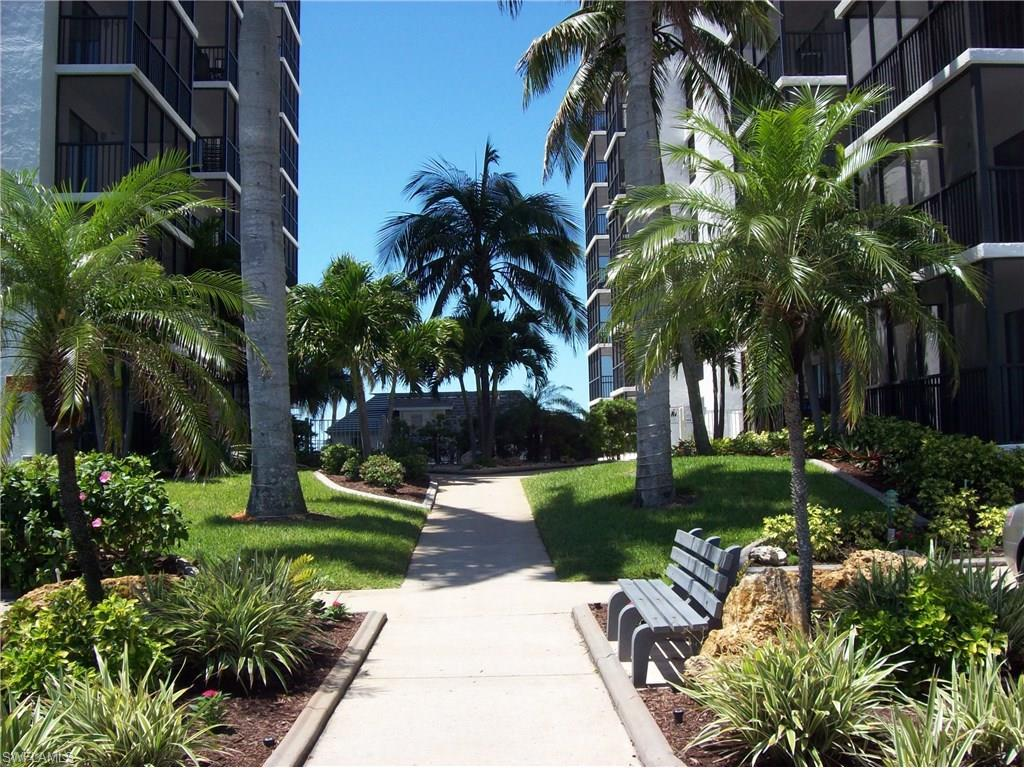 6612 Estero Blvd #1002, Fort Myers Beach, FL 33931 (MLS #215021684) :: The New Home Spot, Inc.