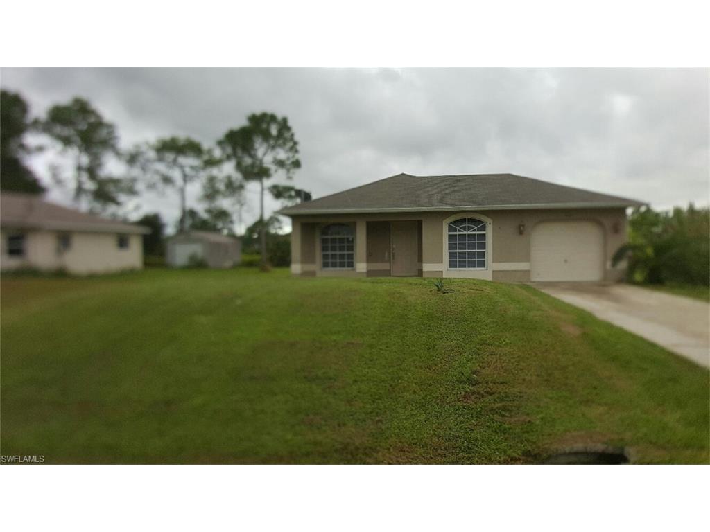 421 Vanetta Dr, Lehigh Acres, FL 33972 (MLS #216001968) :: The New Home Spot, Inc.