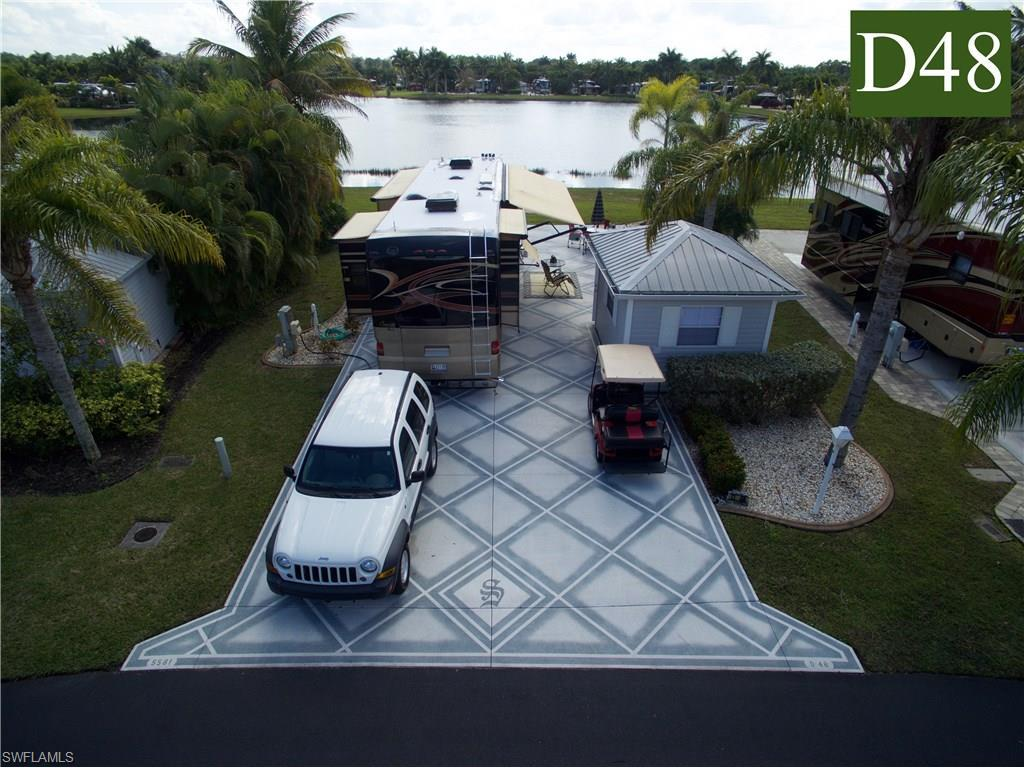 5581 Cypresswoods Resort Dr, Fort Myers, FL 33905 (MLS #216005405) :: The New Home Spot, Inc.