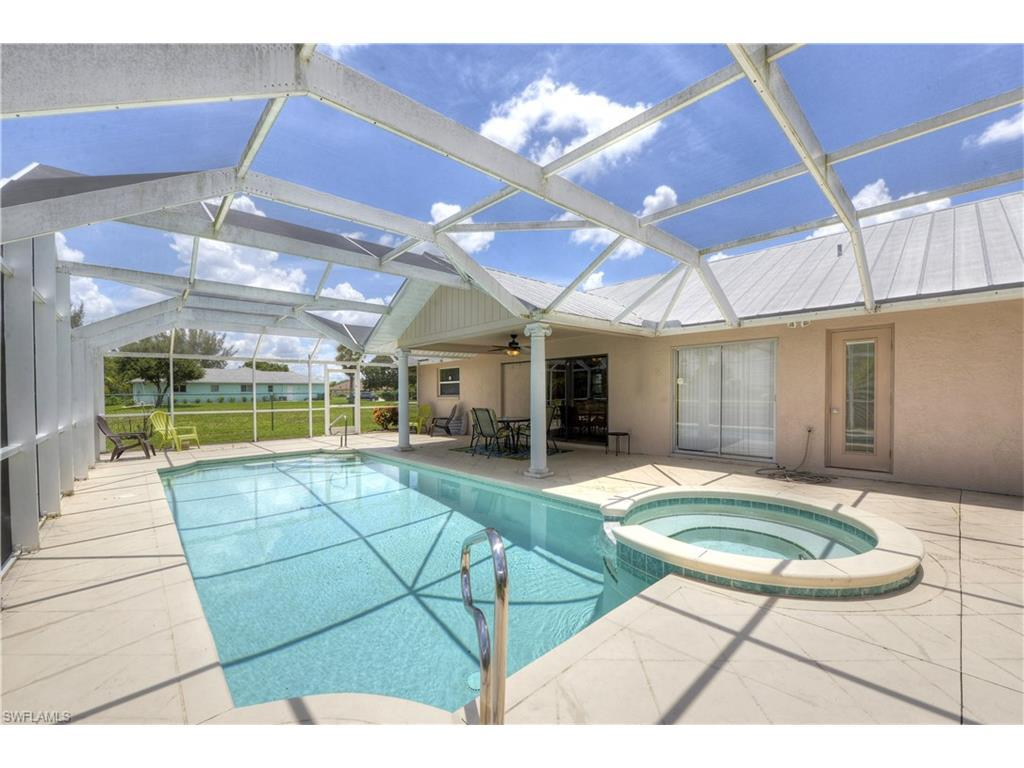 115 SW 12th Ter, Cape Coral, FL 33991 (#216031257) :: Homes and Land Brokers, Inc